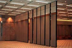conference space air walls provide acoustical and spacial separation